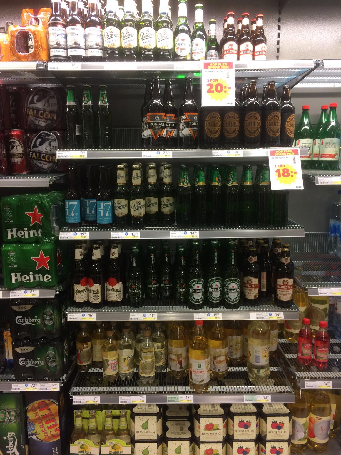 Schweden: Biersortiment im Supermarkt
